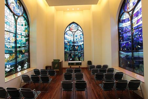 小礼拝堂内部