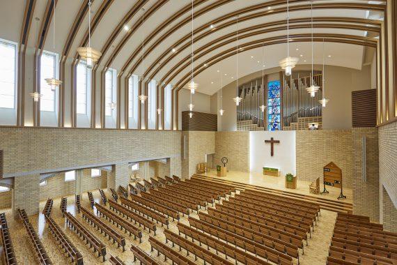 青山学院の礼拝堂〈8〉 中等部礼拝堂